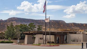 Kayenta Monument Valley Inn  Arizona Travel to Quilting Show Phoenix Arizona QuiltCon